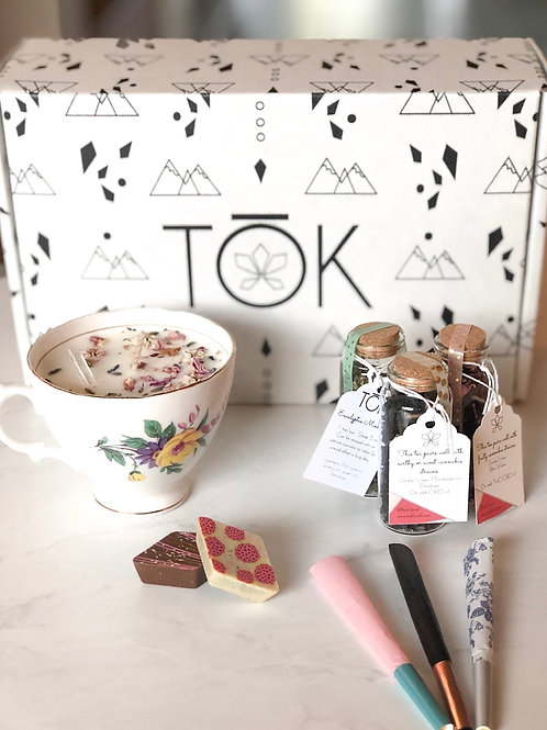 Tōk & Tea Experience Box