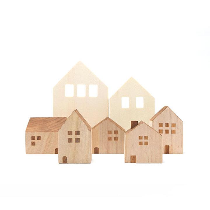 木製おもちゃの家
