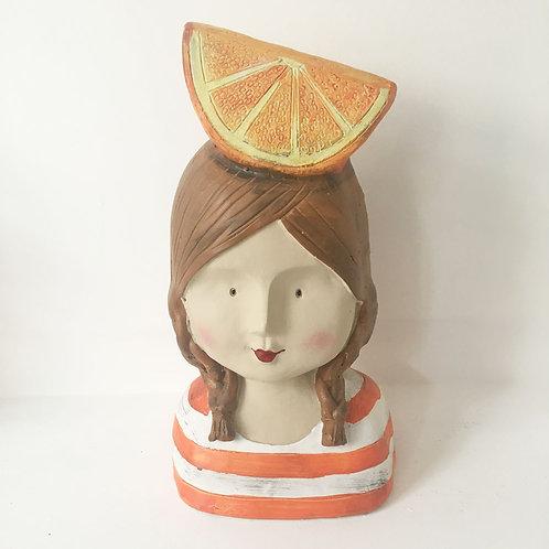 Personnage en résine Madame Orange