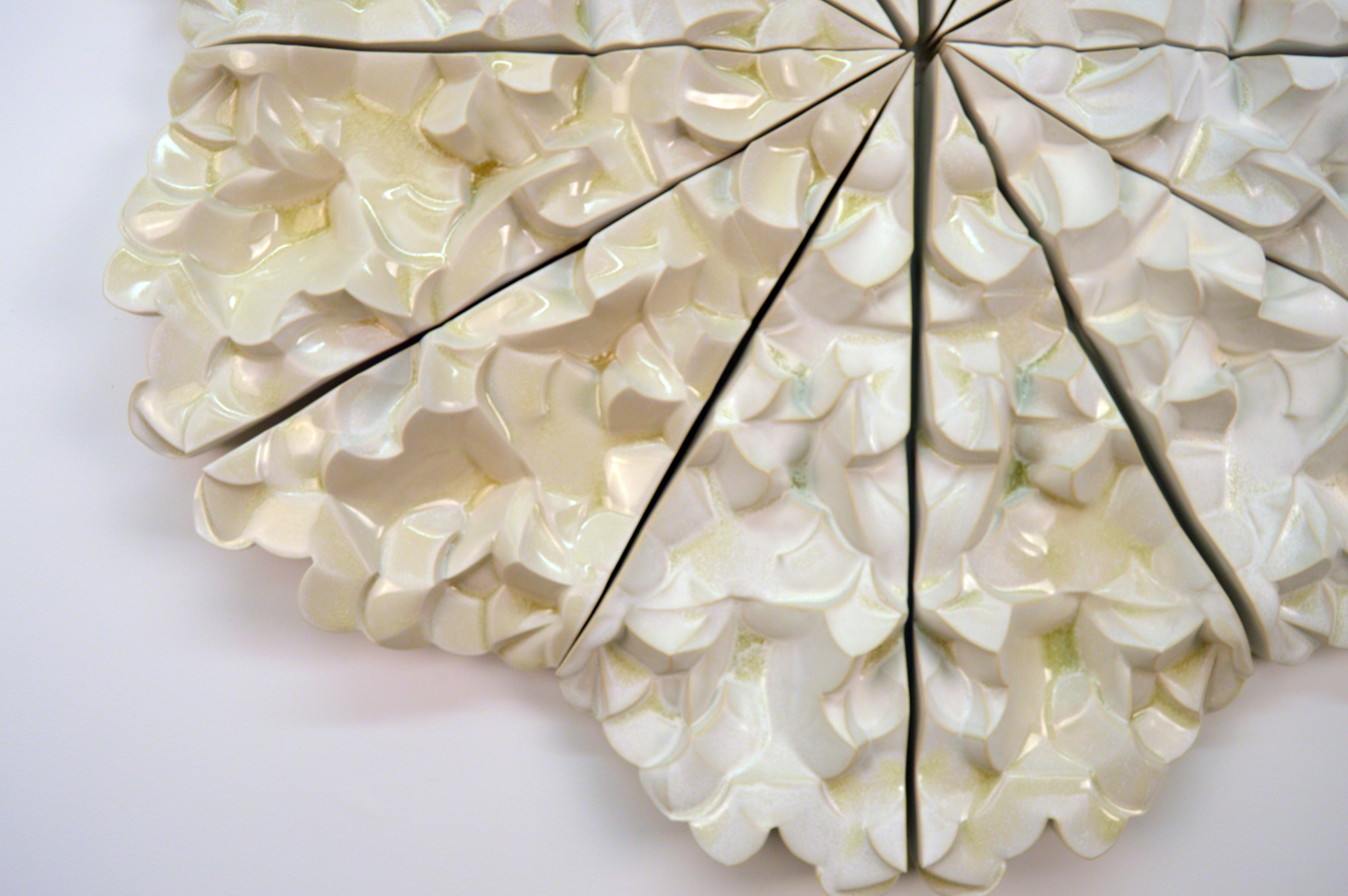 Fluttering Structure
