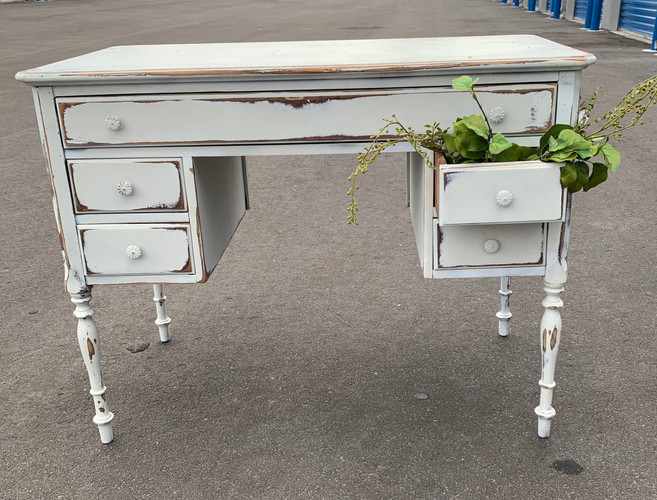 White Shabby Desk
