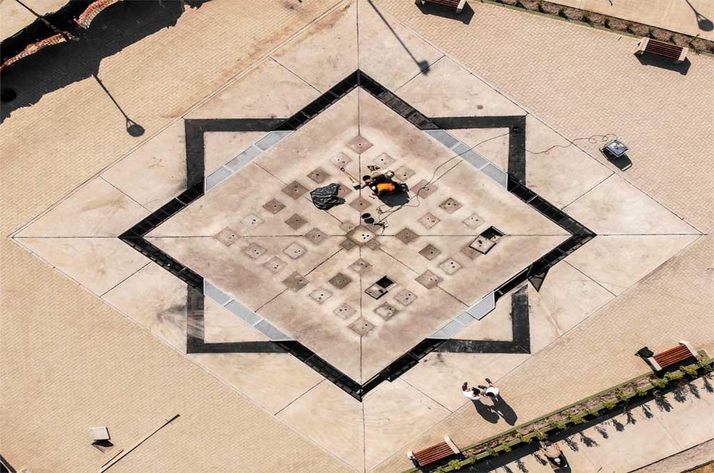 Fuente de agua danzante - Plaza Árabe