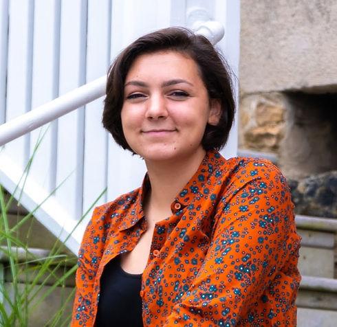 Maria Scotto di Uccio profile pic_edited.jpg