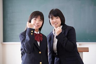 女子中学生4163099_s.jpg