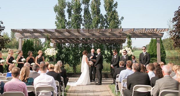 courtyard weddings