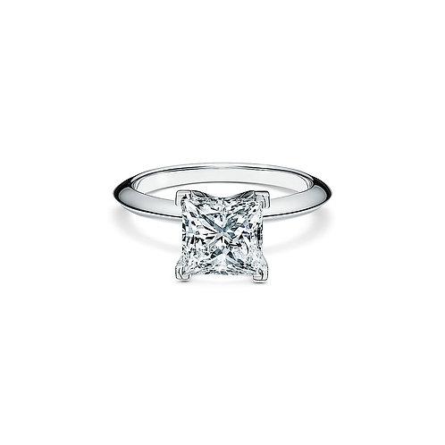 Tiffany&Co Princess cut. VVS1/G color. 0.59CT