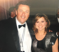 With Kelly Clarkson at Celebrity Fight Night