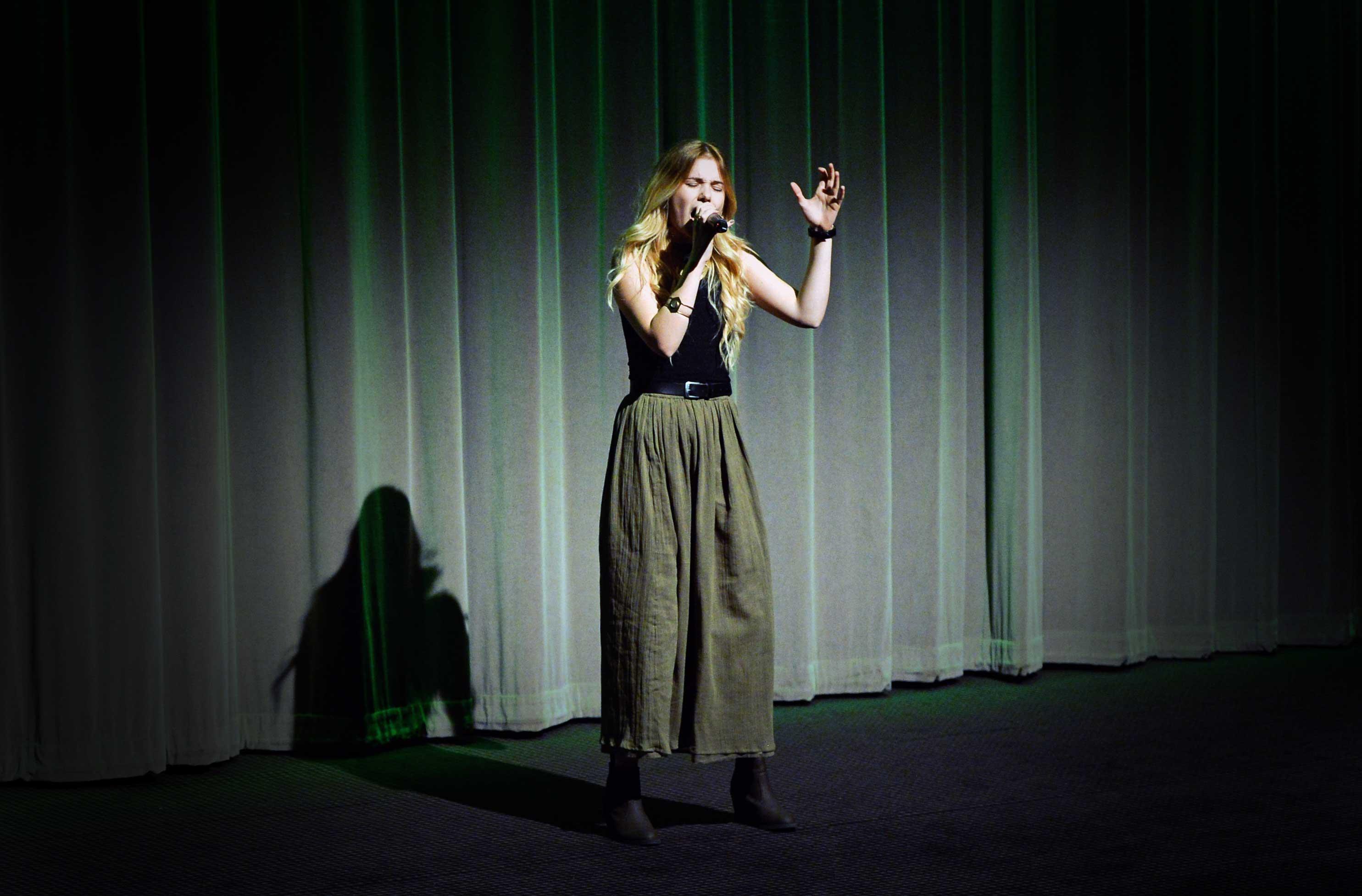Esther Graf performing Mercedes Benz