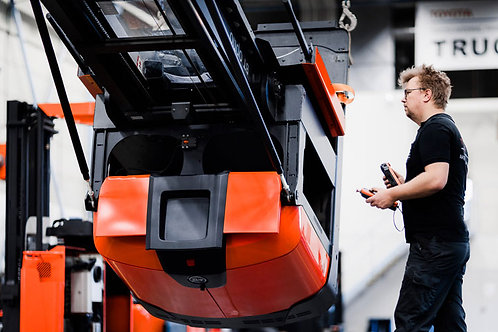 Toyota Forklift Repair Service (Get a Quote)