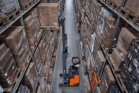 Toyota Reach Truck Electric Forklift