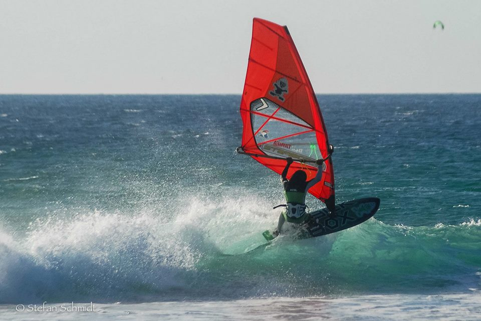 Wind/kitesurfing
