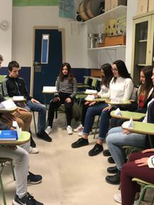 Alumnos de Bachiller en clase de Mindfulness