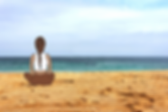 Nina-espaldas-playa.png