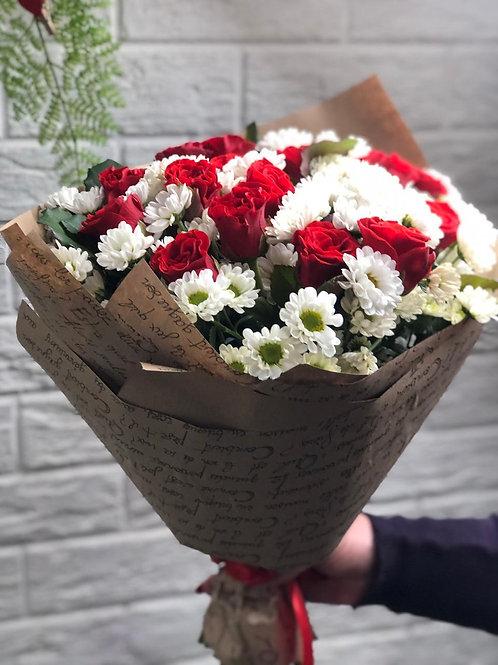 Букет из хризантем с розами 422