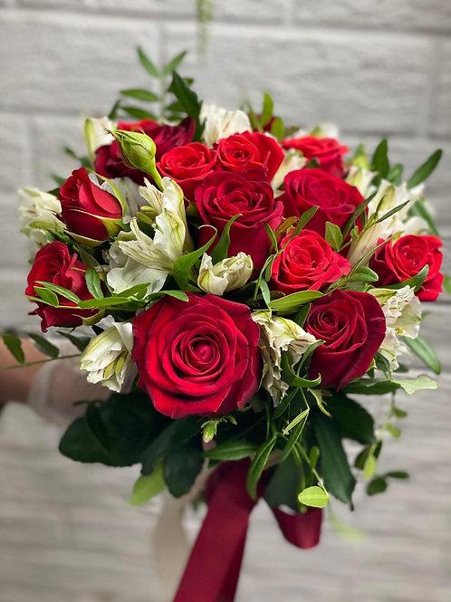 Букет из роз Ред Наоми 396