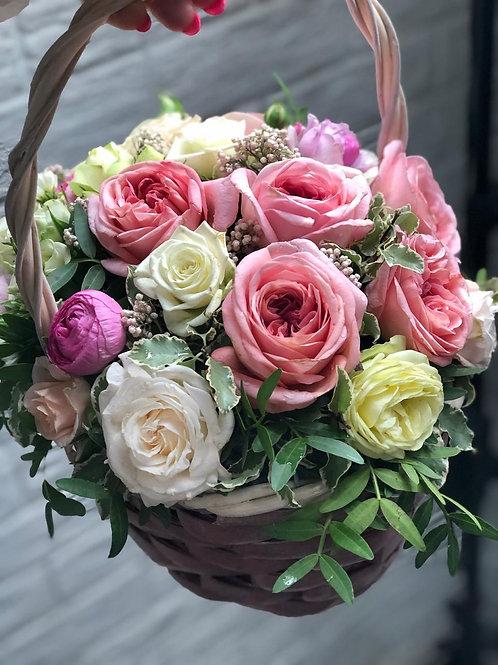 Корзина с розами 425