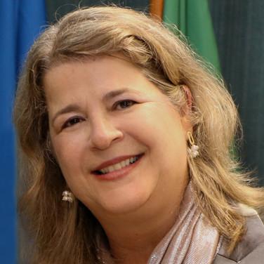 Josiane Rose Petry Veronese