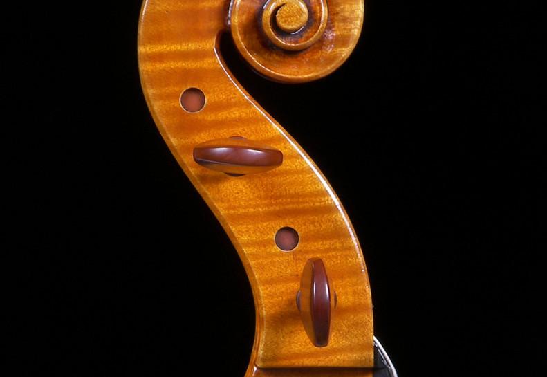 Viola scroll by Mark Jennings.