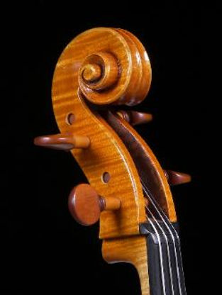 Viola scroll by Mark Jennings. Viola based on Andrea Guarneri 1676.