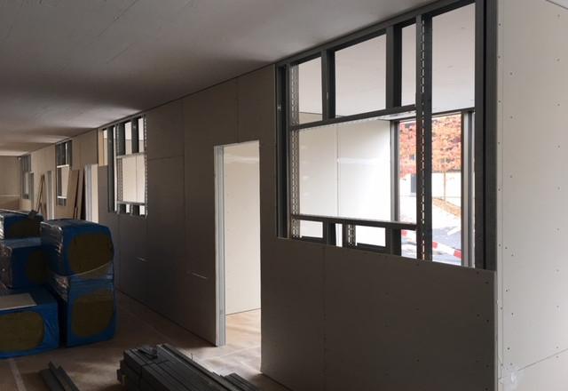 Bürotrennwand mit Glasausführung