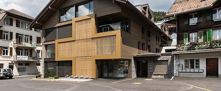 Grindelwald-Eingang-Gesundheitszentrum.j