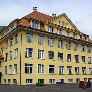 primarschulhaus-west-interlaken-von-allmen-architekten