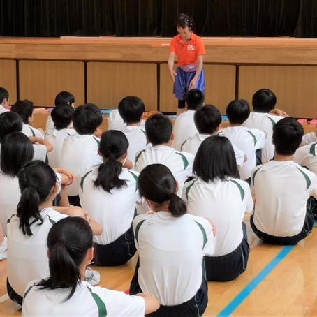 2018年10月31日東京都千代田区神田一ツ橋中学へ保健体育の特別授業を担当させていただきました。