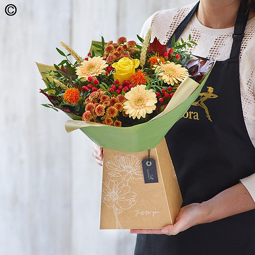 AUTUMN GIFT BOX MADE WITH THE FINEST FLOWERS