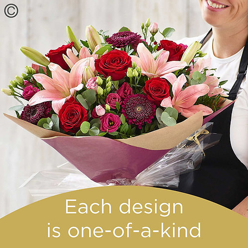 Valentine's hand-tied made with the finest flowers