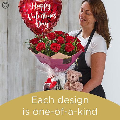 Valentine's 12 red rose hand-tied gift set