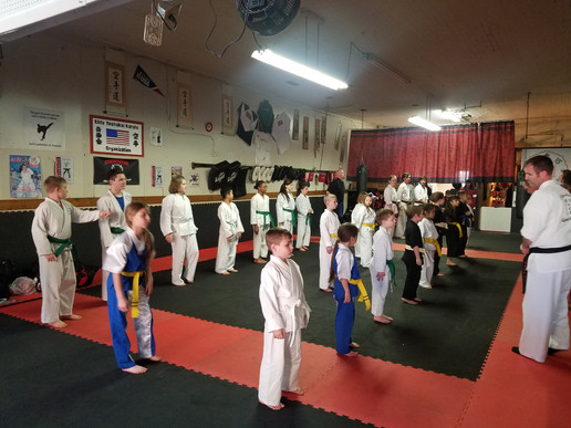 Sempai Pearson giving instruction at USM