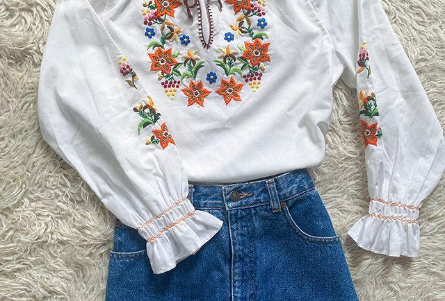 blouse hongroise brodée vintage   hier store