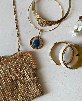 hier store bijoux laiton vintage.jpg