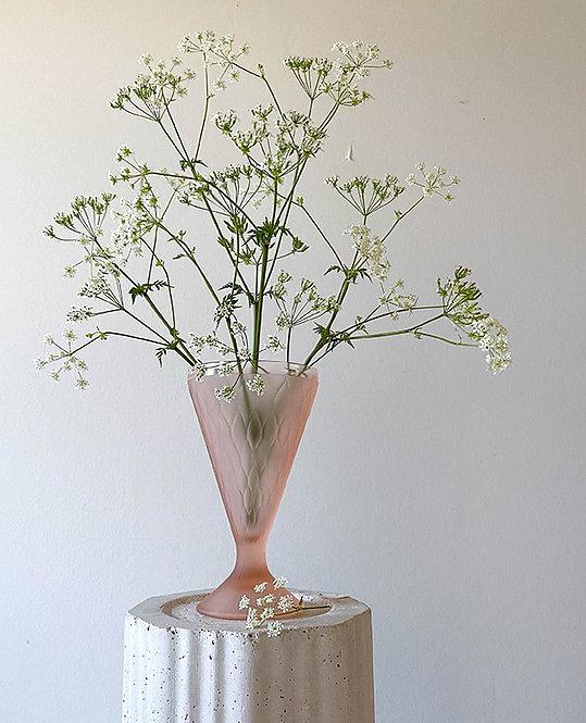 vase vintage verre couleur rose facettes