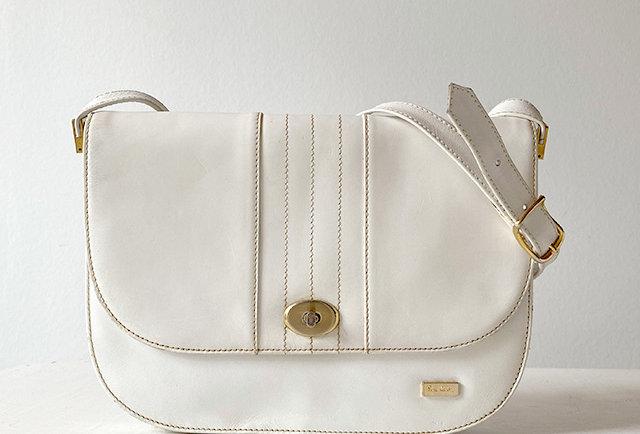 sac besace cuir blanc vintage Pierre Cardin   Hier Store