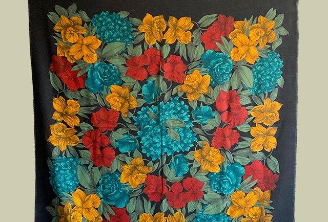 grand foulard carre vintage imprime floral