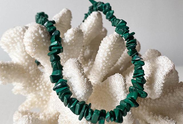collier pierres malachite vintage