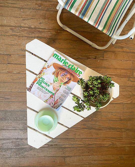 table basse de jardin en lattes de bois vintage