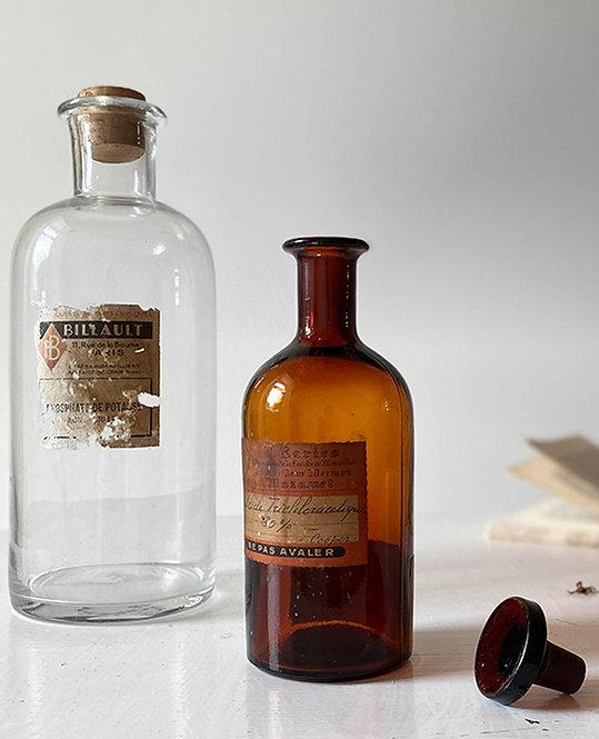 ancienne bouteille verre fume apothicaire