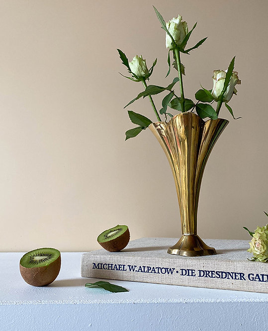 vase en laiton massif vintage art deco