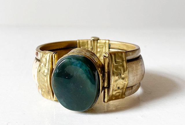 bracelet os et pierre verte semi précieuse   hier store