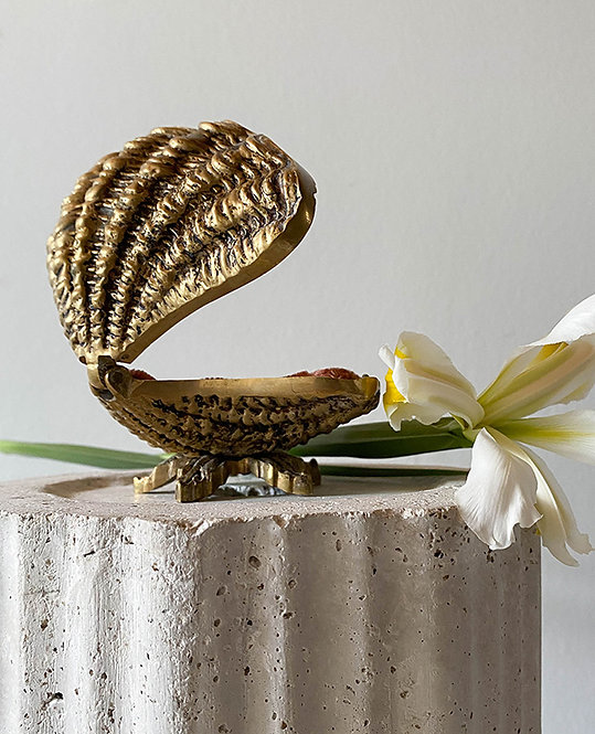ancien coffret bijoux forme coquillage laiton