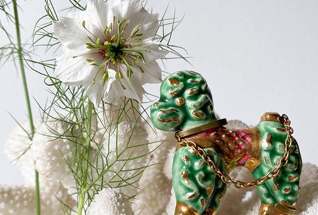 broche caniche couleur vert laiton | vintage france