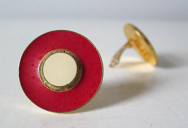 Boucles d'oreilles clip rouge vintage