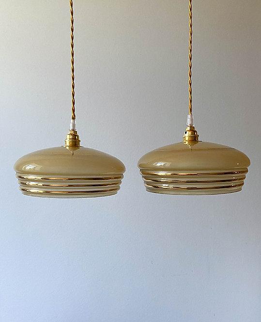 suspension globe vintage opaline beige dore