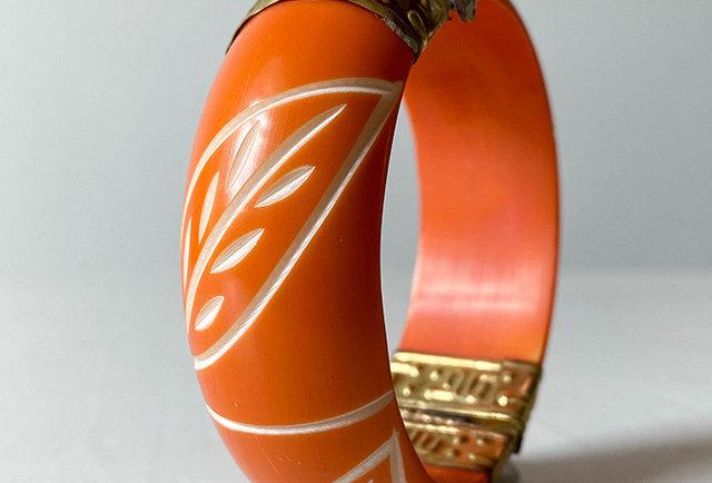bracelet vintage os grave et laiton