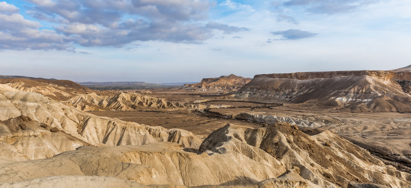 The mountainous terrain of the Negev des