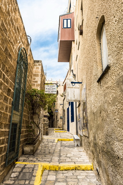 The narrow streets of old Jaffa