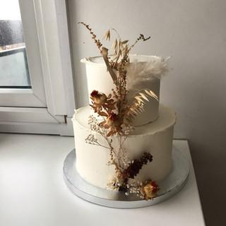 Beige dried flower decoration.JPG