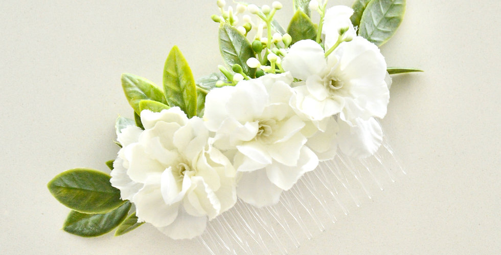 Rustic White Snapdragon And Ruscus Bridal Hair Comb